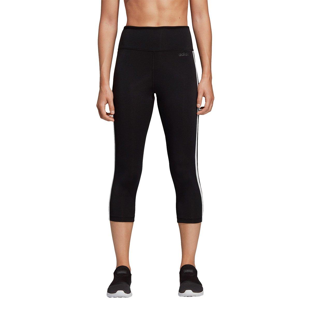 e9e526705 Calça Legging Adidas 3/4 Design 2 Move 3 Stripes Feminina - Preto e Branco  | São Paulo Mania